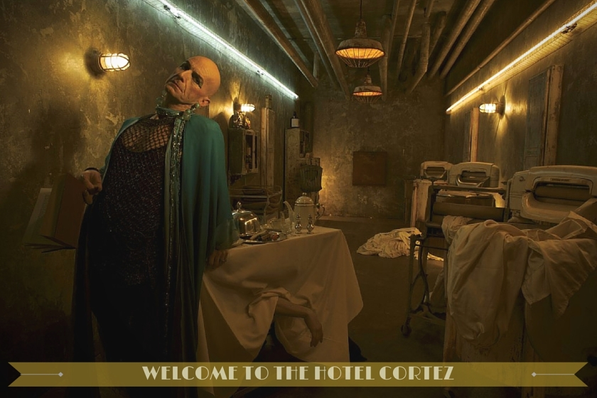 Denis O'Hare incarne Liz Taylor dans American Horror Story : Hotel Cortez, la cinquième saison du show de Ryan Murphy.