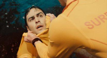 Bait 3D - Rory se vide lentement de son sang.