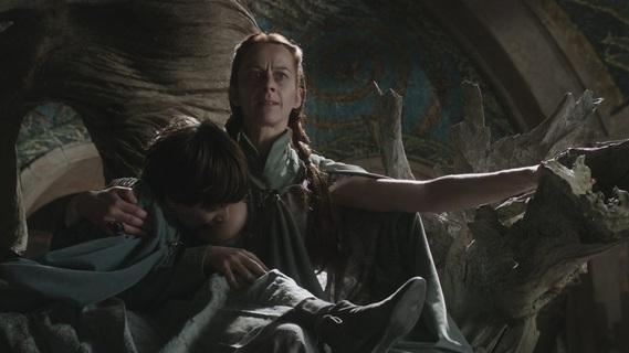 Catelyn Stark arrive chez sa soeur mais bon, elle savait pas qu'on était au milieu d'un repas.