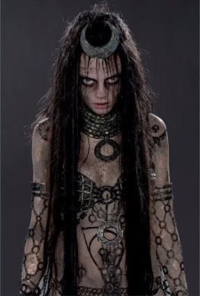 J'ai appris à me maquiller en regardant des clips d'Avril Lavigne.