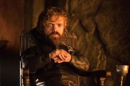 Sans parler de Tyrion qui devient donc une bille en stratégie militaire et diplomatique. Normal.